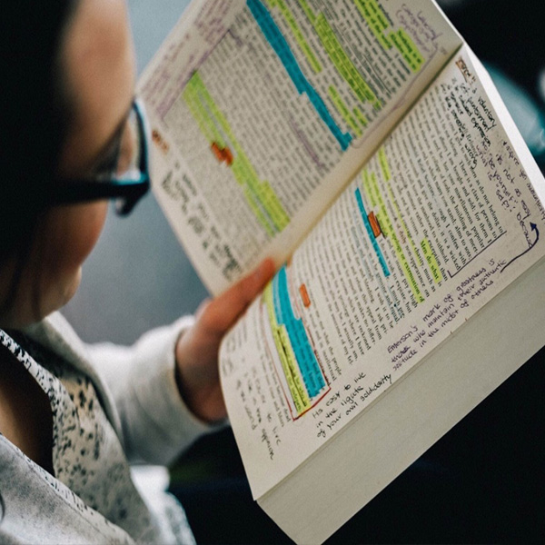 Our ReadSmartBeSmart sessions are powerful, provoking and practical lunch-hour sessions to transform your reading behaviours and help you master academic reading. The session will encourage and critical thinking about and engagement with what you read.